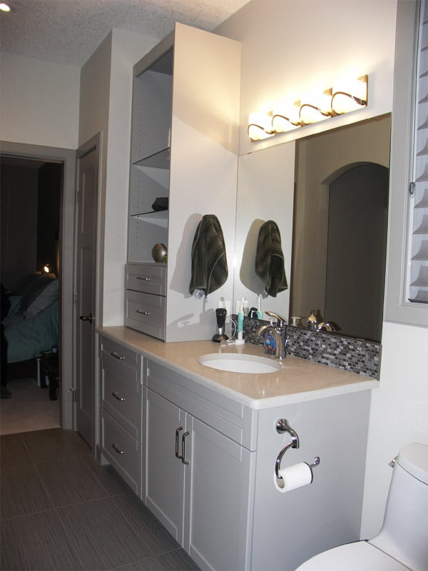 Lessard Green Bathroom 02